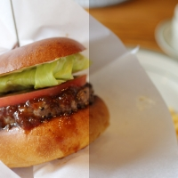 左右で画面の明るさを分けたハンバーガー